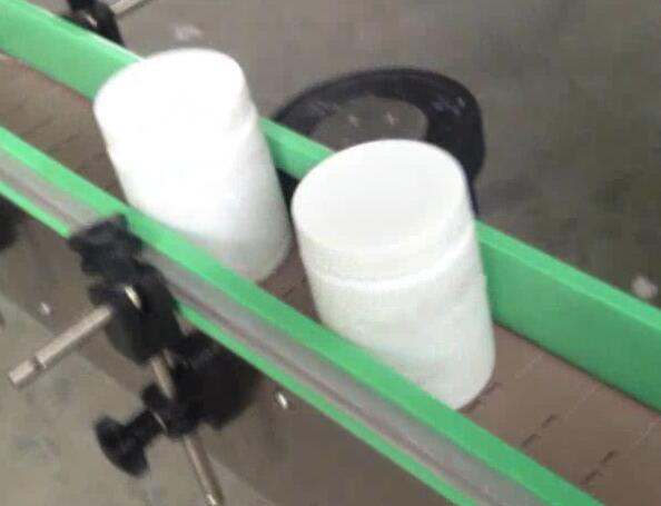 دستگاه برچسب زدن بطری گرد ، دستگاه بطری و برچسب زدن برای شیشه قند چرخ شده